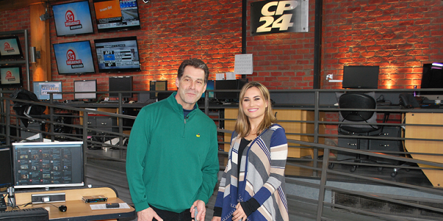 Dave Hartmann doing a Putting Lesson with Jill on CP24 Breakfast Masters Sunday